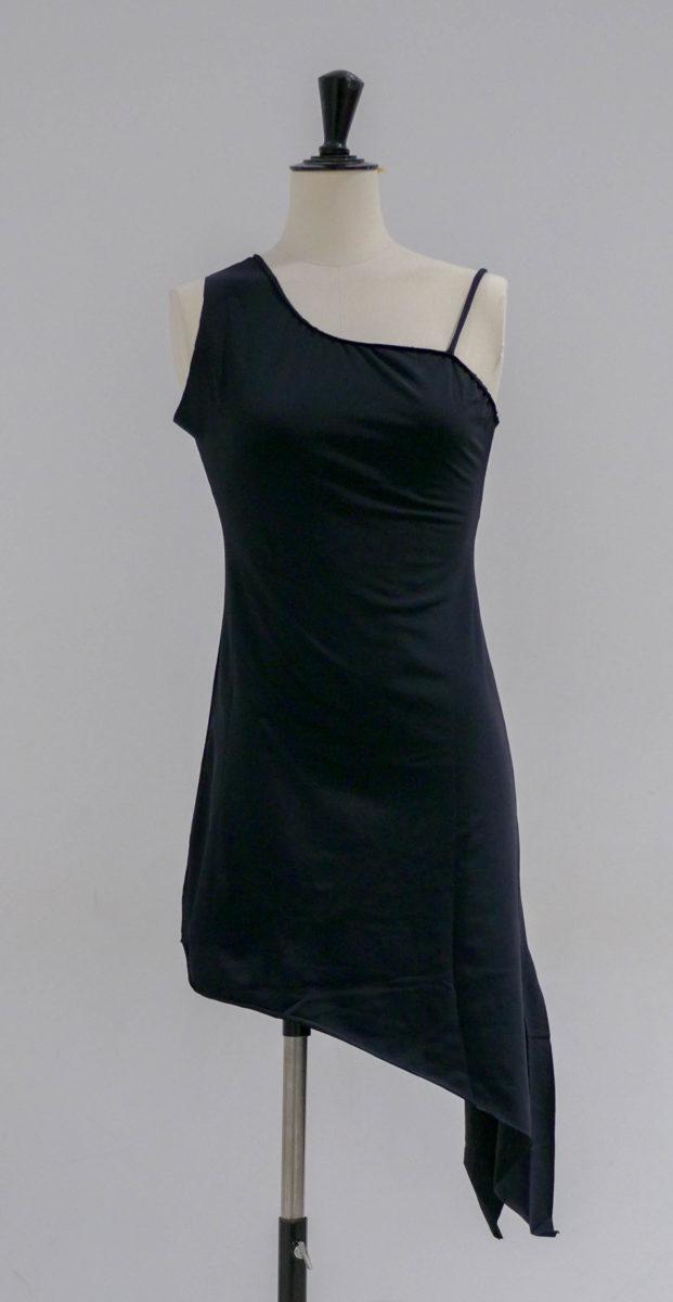 Robe noire lycra asymétrique-002-face
