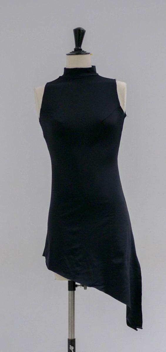 Robe noire lycra asymétrique-003-face