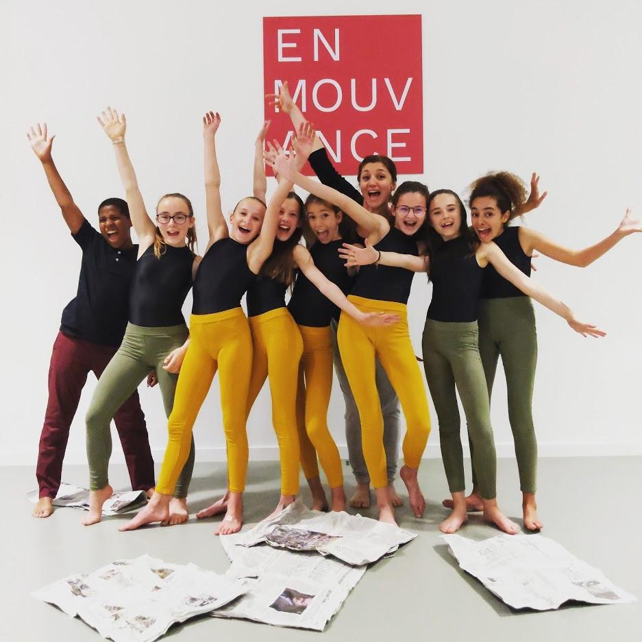 Salve d'applaudissements pour les danseurs du cursus Option Scène 1