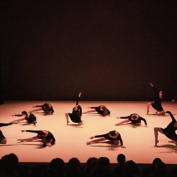 spectacle de danse Ligne 8 - 2019 - Modern Jazz Ado 2 - © Alain Scherer