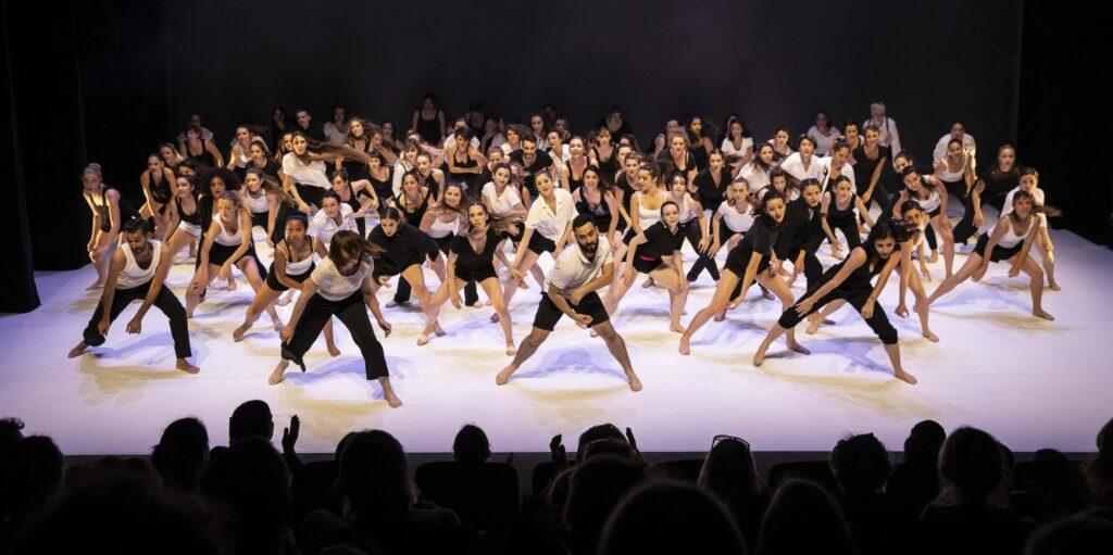 Spectacle de danse Ligne 8 - 2019 - Final - © Alain Scherer