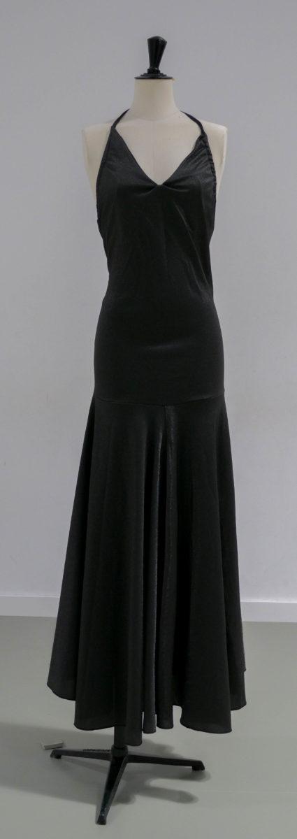 Robe longue noire 02 face
