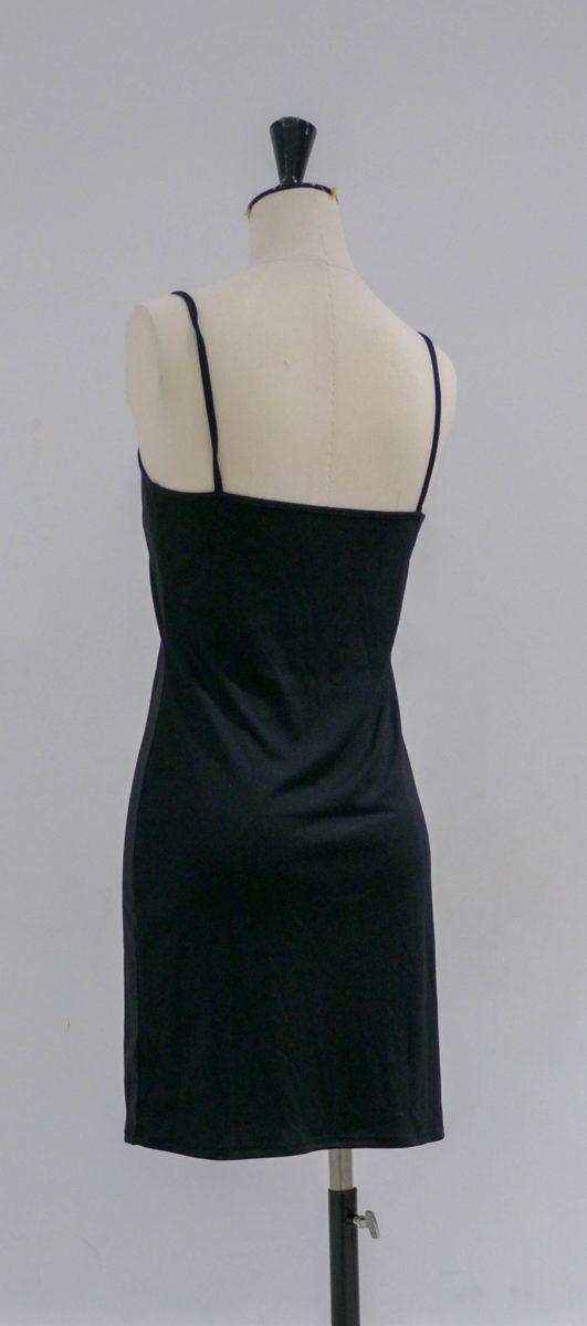 Robe noire légère dos