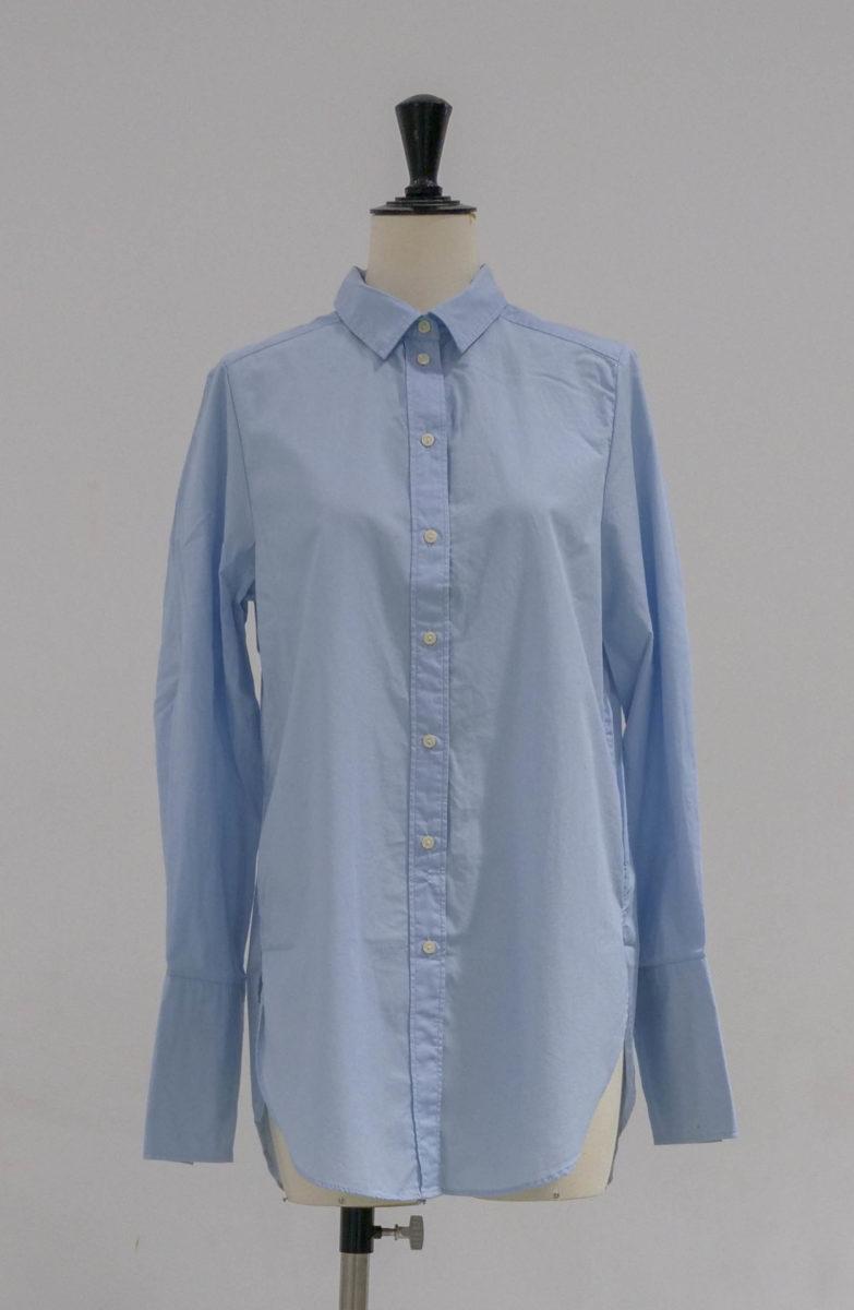 chemise bleue face