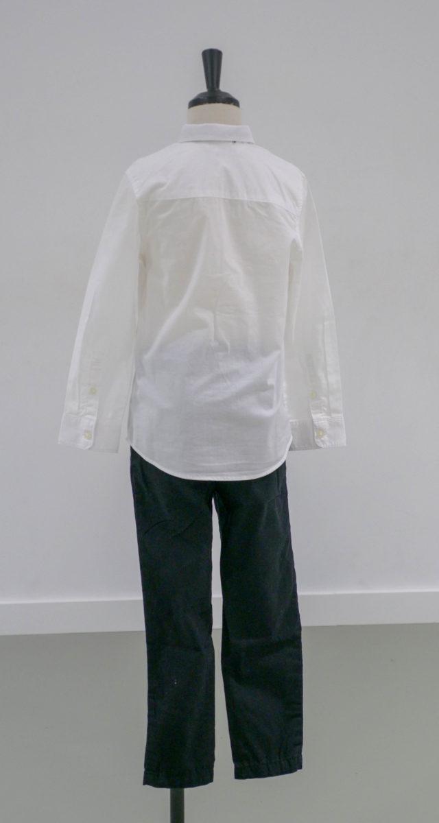 Chemise blanche enfant avec noeud papillon et pantalon noir ( x2) 1