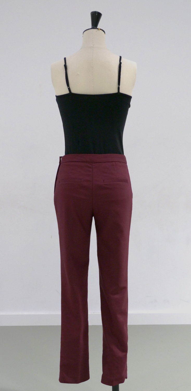 pantalon bordeaux dos